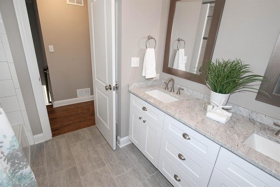 Barrington Bathroom 4